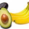 固いアボカドを美味しくさせる、バナナの秘密