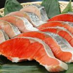 旨みを閉じ込める、塩鮭のうまい塩抜き方法
