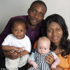 黒人夫婦に白い肌の赤ちゃん(金髪)が誕生