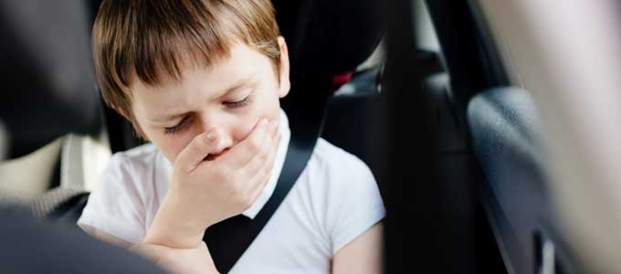 子どもの乗り物酔い克服法と対処法頭痛や吐き気の原因は