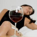 女性の飲酒は妊娠確率が50%に下がる。離婚率も上がる