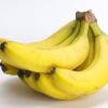 バナナを長持ちさせるための3つの方法