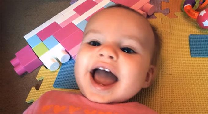赤ちゃんが笑う曲「The Happy Song」